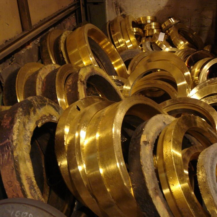 Clean and Mixed Brass Scrap Metal